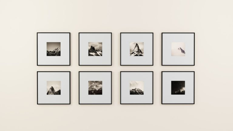 均等に並んだ画像のイメージ